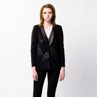 Shawl collar coat with leather embroidery