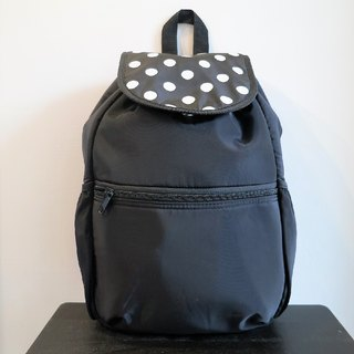 TiDi Fashion Black Dot Windbreaker Lightweight Backpack (L Section)