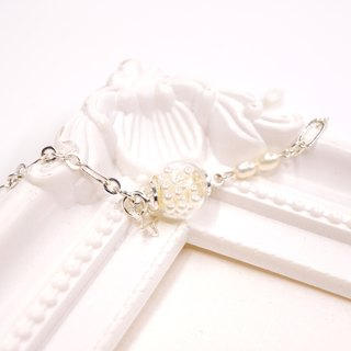A Handmade glass beads imitation pearl bracelet