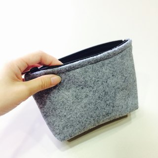 [Mother's temperature - gray between white] gray white zip cosmetic bag job hand care products