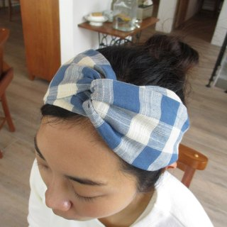 Cross hair band (smooth hand) - blue square