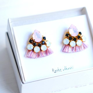 Silk and Swarovski post earrings/clip‐on ピンクミックス