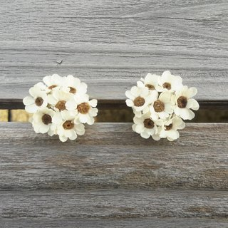 With real flowers||White Plum Blossoms Dry Flower Earrings Handmade Jewelry Clips