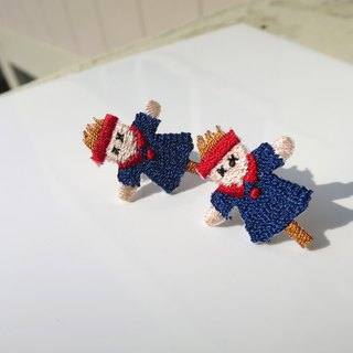 [LineWorkLab] Embroidery scarecrow in blue earrings