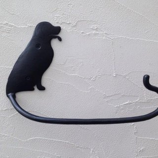 Golden retriever towel hanger