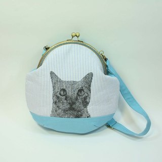 20cm U-type mouth gold embroidery oblique backpack 01- cat