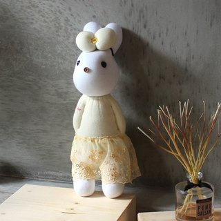 Handmade healing system - playful and lively (yellow yarn female rabbit) design models