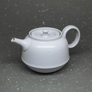 Run white glaze bell is the teapot hand pottery tea props