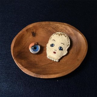 Wearing pearl necklace ceramic doll head embroidery pin brooch