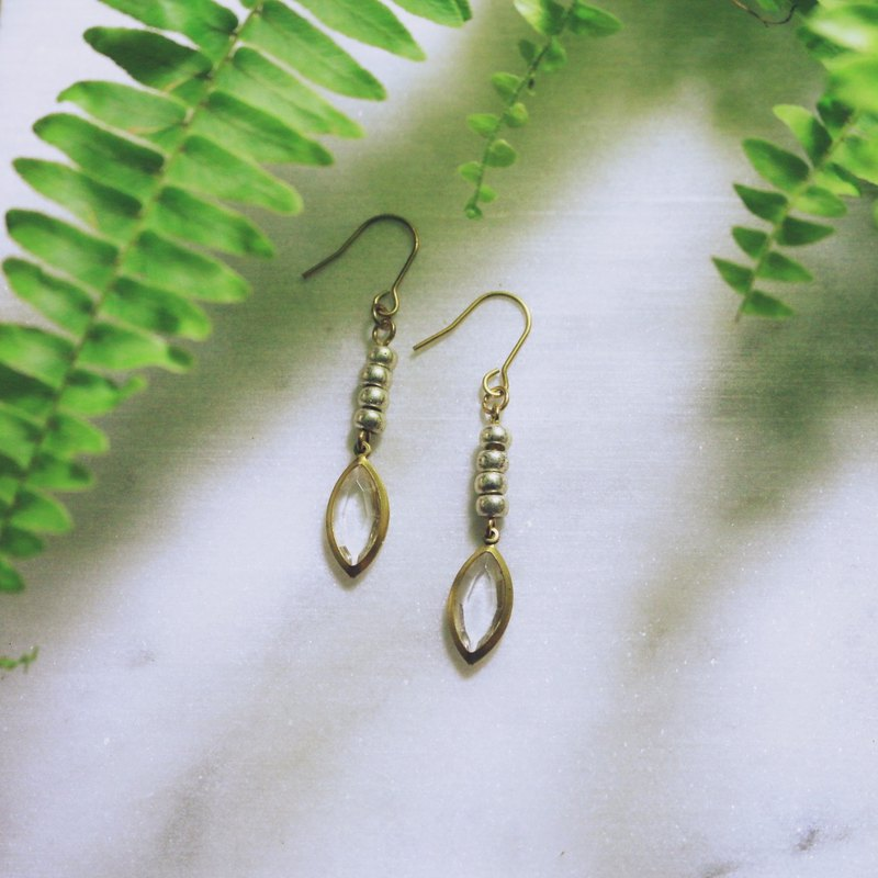 // Brass leaf drop earrings ear hook ear clips // ve008