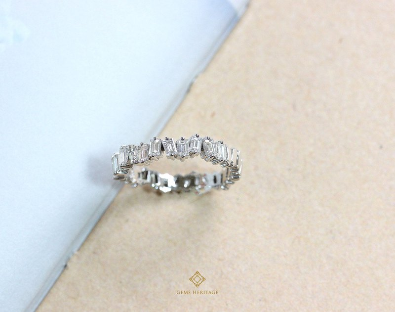 Baguette zigzag diamond ring 18K white gold