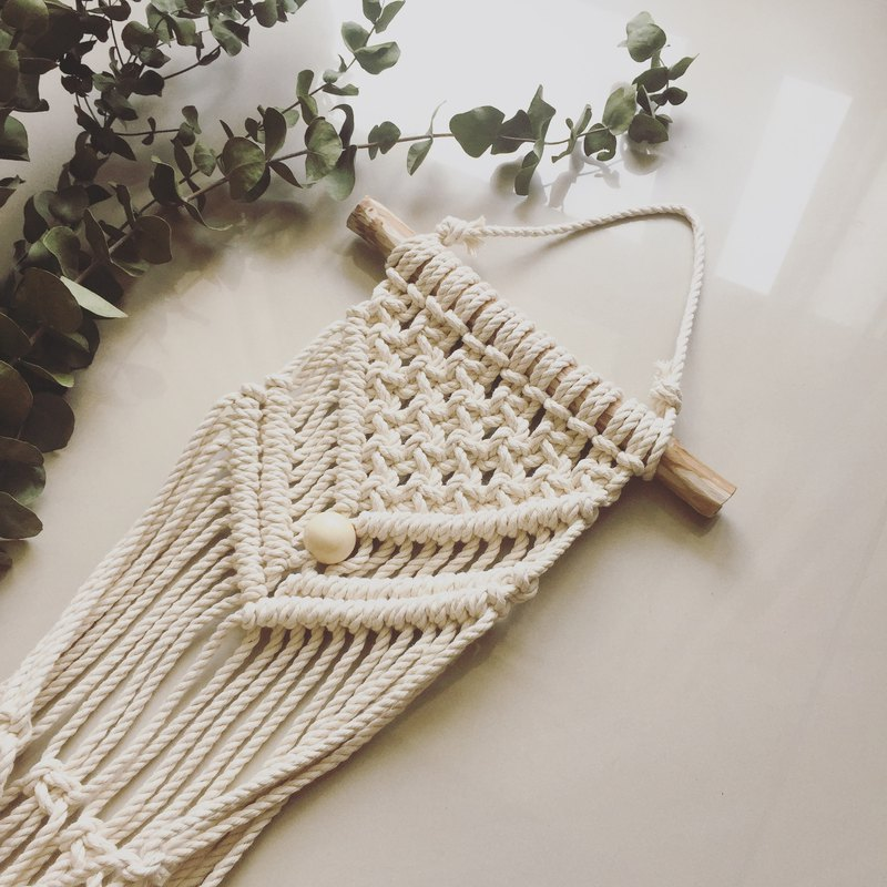 Macrame knotted woven potted basket plant hanging basket wall decoration does not contain plants and containers