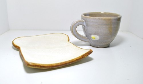 Two piece set of bread dish and mini mug