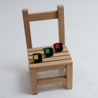 Small simple geometric blocks of color squares / clip-on can be changed