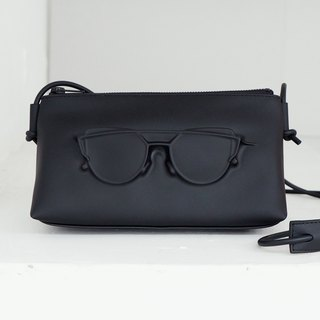 POMCH - VF MATTE Eyeglasses Triangle Slant Clutch Bag (M)