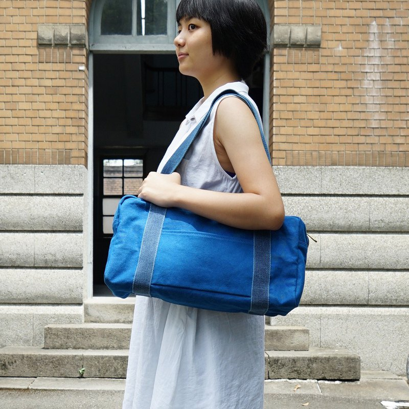Mushroom MOGU / Canvas Shoulder Bag / Cobalt Blue / Boston