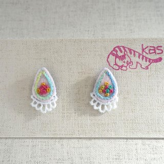 "Hand embroidery pierced earring""Spring color drop"""