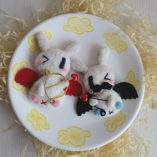 sleeping original handmade Valentine's Day Cupid [bit] ball brooch / fridge magnet