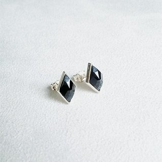 Rhombus glass/Black/Earrings/Swarovski Crystal/Sterling Silver/By hand【ZHÀO】SZE1621
