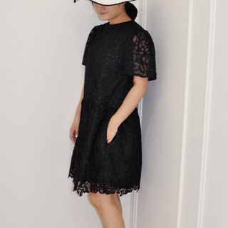 Flat 135X Taiwan Designer Series Wavy Sleeve Dress Black Mesh Embroidered Lace Fabric Dress