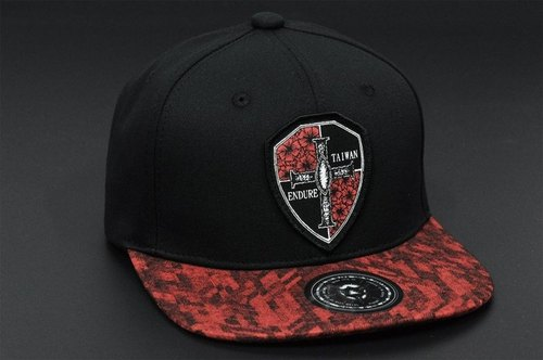 Battle Damage Shield Cross Black / Burgundy