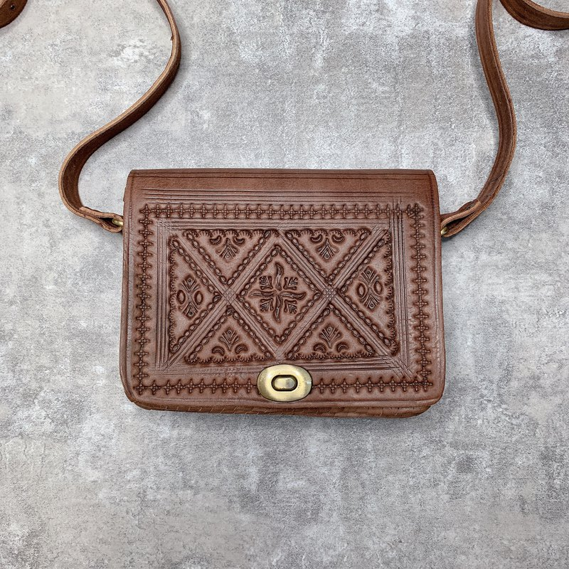 Moroccan leather bag