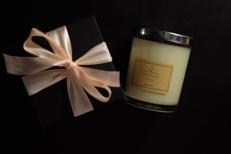 Natural aromatherapy soy candle