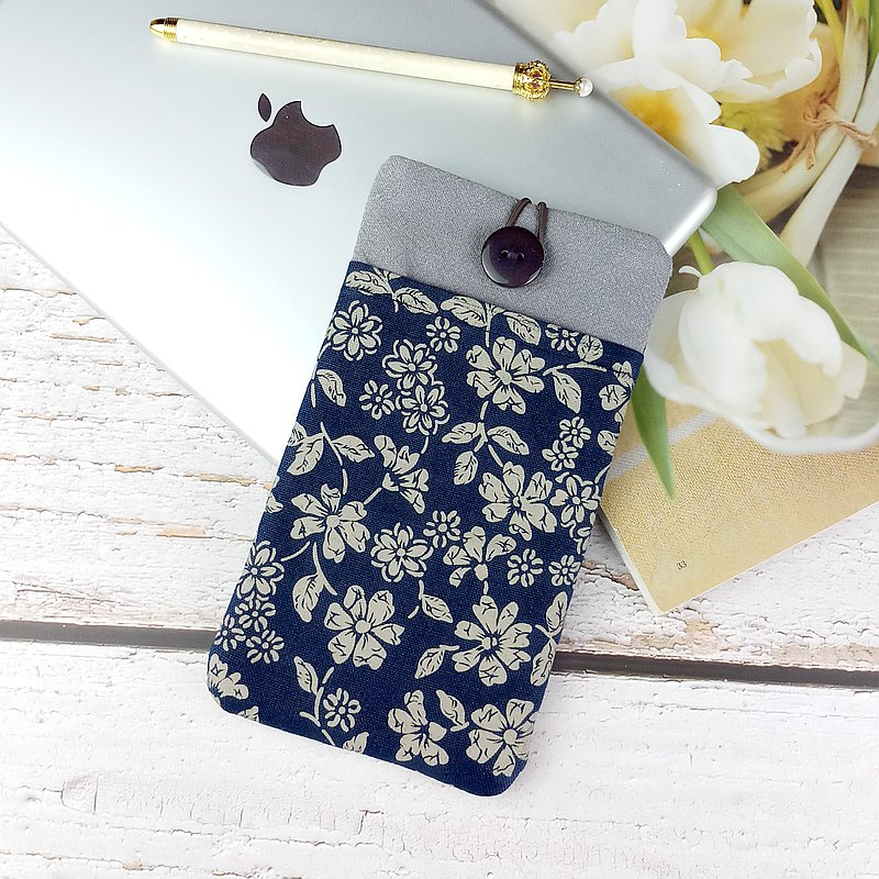 Customized phone bag, mobile phone bag, mobile phone protective cloth cover, such as iPhone flower florets (M-070)