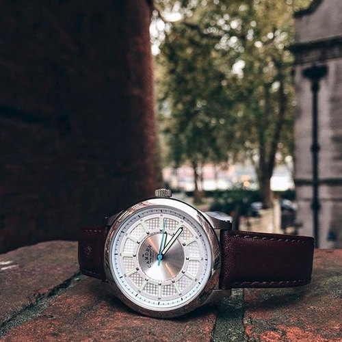 Camden Watch | pure British descent Monarch large scale leather fashion watch
