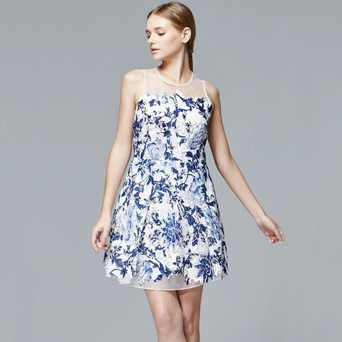 Print dress pleat sleeveless dress