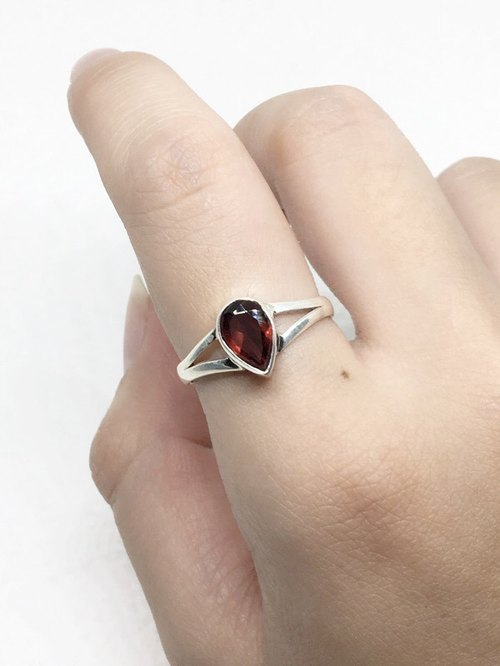 Garnet 925 sterling silver exotic design ring Nepal handmade mosaic production (style 2)