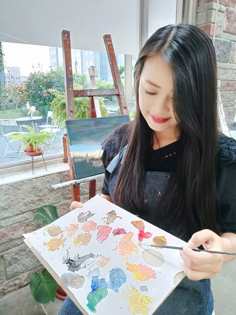 First experience of oil painting on Thursday and Saturday in Daan District, Taipei