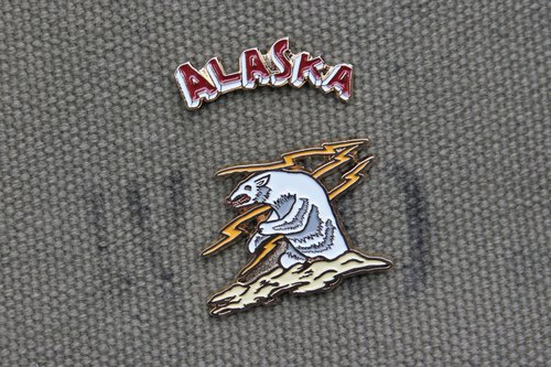 "[METALIZE] Yokosuka ""Alaska Bear"" pin set"