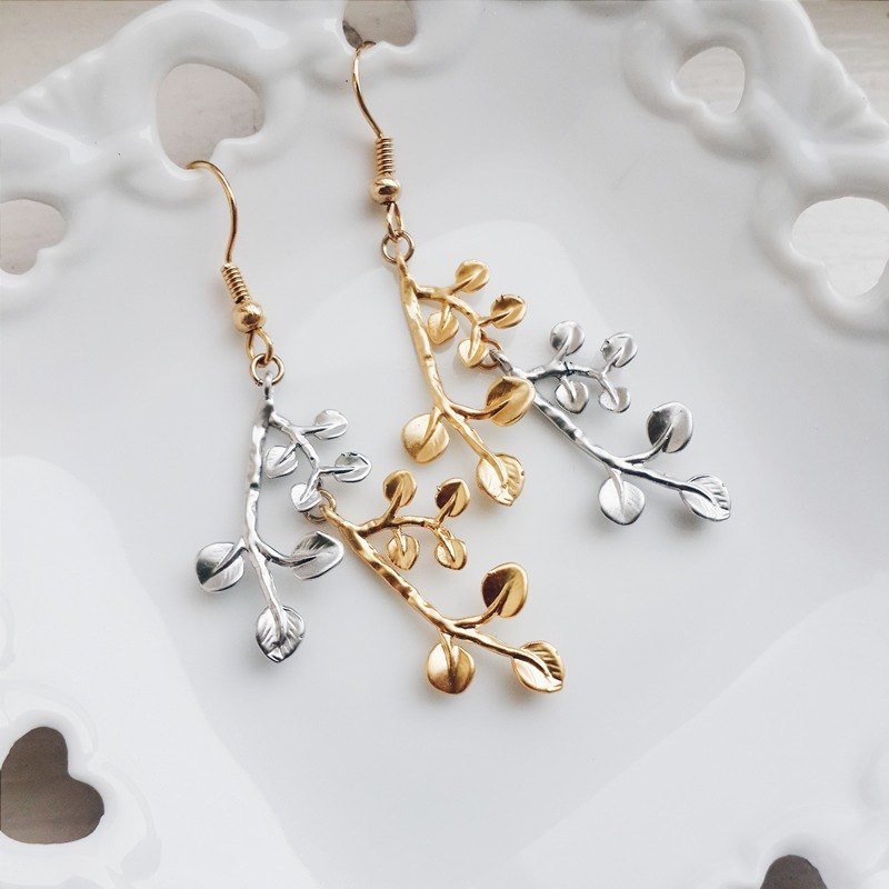 momolico silver leaf earrings Golden Bough (clip-on can be changed)