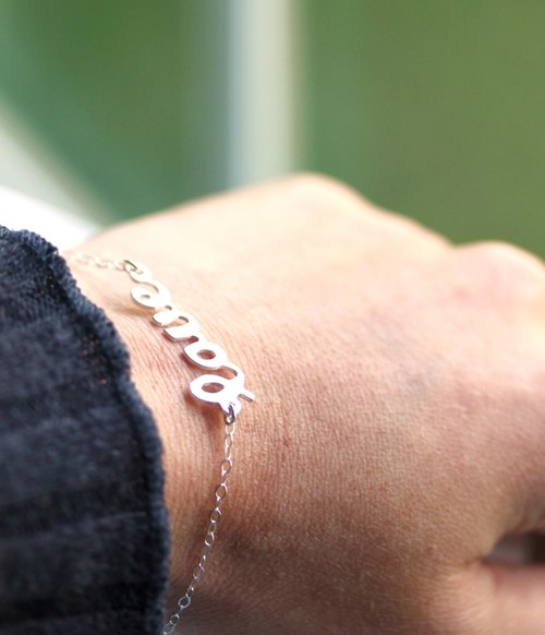 Sterling Silver Love Pendent Bracelet - Love Bracelet,Minimalistic,Love Jewelry,Gift for her,Gift for girlfriend,Gift for Wife,Gift for Mom