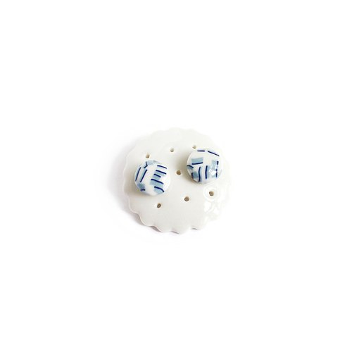 Ceramic earrings jewelry storage rack white porcelain a cookie factory
