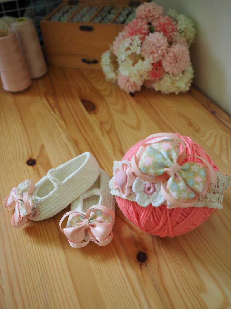 Handmade baby shoes and hair clip and elastic Headband set