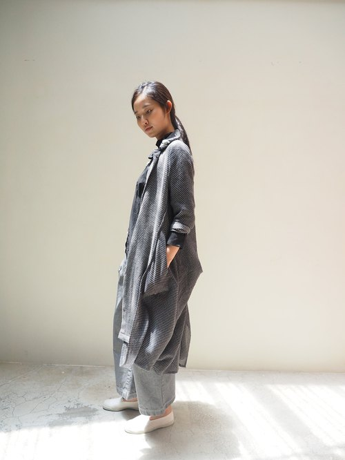 And - Time Machine - Flip cropped wool coat