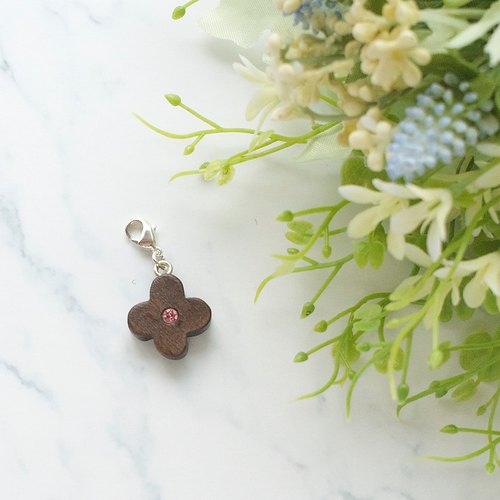 Cloverleaf wooden charm - Pink (can choose gold / silver plated Lobster clasp)