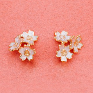 Cherry blossom flowers - 3 flower pierce - Japanese jewelry - Sakura earrings