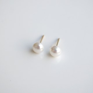 Fresh Water Pearl Stud Earrings - 925 Sterling Silver - Minimal Pearl Earrings