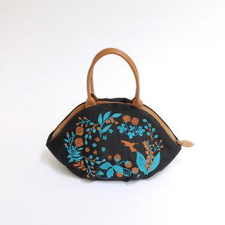 Suzuran embroidery · almond bag
