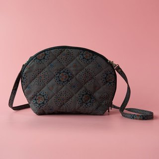 Bun-Shaped Quilted Crossbody Bag / Firework / Dark Night Grey