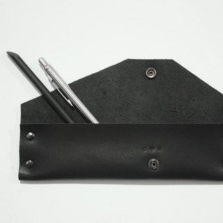 Geometric calfskin pencil box / black