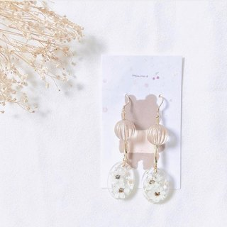 Pure hand-made dry flower earring ear clip / ear pin