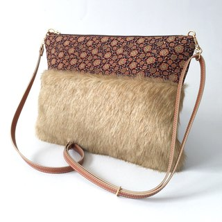Clutch shoulder bag with fake fur and Japanese pattern - 2WAY