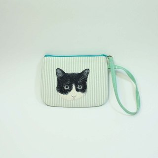 Hand-embroidered purse 04- cat