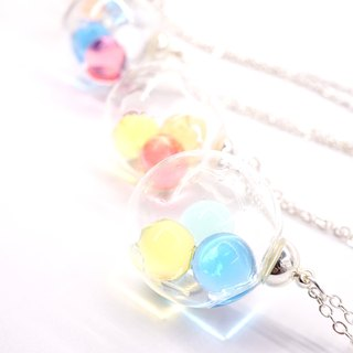 A Handmade glass beads jelly tricolor ball Necklace
