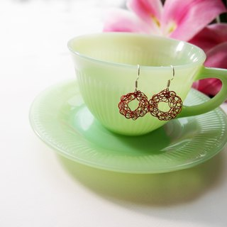 E053 lovely red hand woven copper donut-shaped earrings