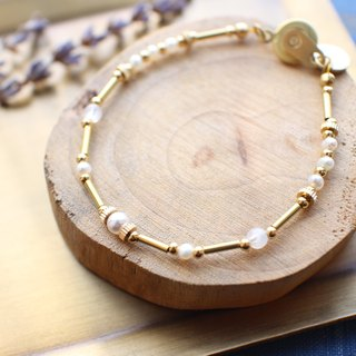 Winter snow-Pearl brass bracelet
